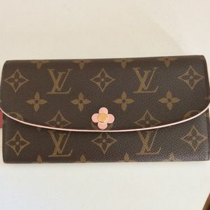 Additional photos of Emilie Wallet